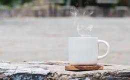 Café de la mañana con el vidrio blanco Fotografía de archivo libre de regalías