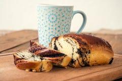 Café de la mañana con la panadería Fotos de archivo libres de regalías