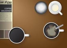 Café de la mañana en la tabla Imágenes de archivo libres de regalías