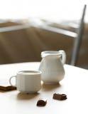 Café de la mañana sobre el chocolate foto de archivo libre de regalías