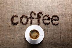 CAFÉ de la palabra de los granos de café Fotografía de archivo