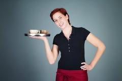 Café de la porción de la camarera Imágenes de archivo libres de regalías