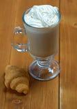 Café de la taza de Cappuchino Foto de archivo libre de regalías