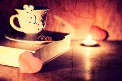 Café de livre de jour de Valentine s Photo libre de droits