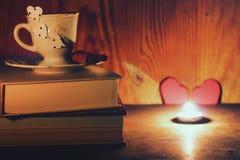 Café de livre de jour de Valentine s Photos stock