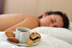 Café de matin dans un bâti Image libre de droits