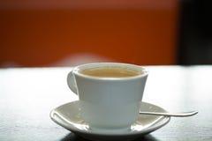 Café de matin dans un café Photographie stock libre de droits