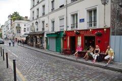 Café de Montmartre, París Imágenes de archivo libres de regalías