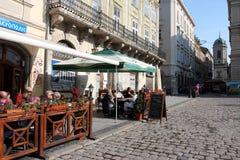 Café de rue au matin ensoleillé Photographie stock