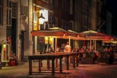 Café de rue de ville de Copenhague de nuit Photos libres de droits