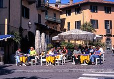 Café de trottoir, Menaggio Photo stock