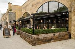 Café del beagle, Hoxton Imágenes de archivo libres de regalías