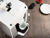 Café del café express hecho con las cápsulas en casa Imagen de archivo libre de regalías