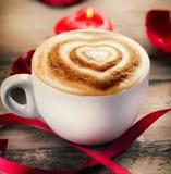 Café del día de tarjeta del día de San Valentín foto de archivo libre de regalías