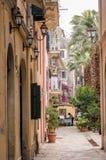 Café del lado de la calle en la ciudad vieja Corfú imagen de archivo