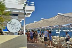 Café Del Mar em San Antonio de Portmany na ilha de Ibiza fotografia de stock