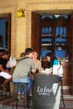Café del pavimento, Jerez de la Frontera Imágenes de archivo libres de regalías