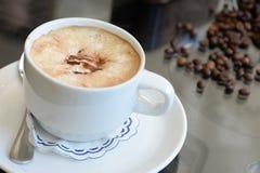 Café delicioso com gelado no café Fotografia de Stock Royalty Free