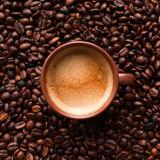 Café do café em feijões de café Imagem de Stock Royalty Free