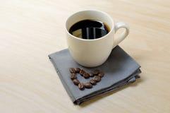Café do café no copo branco pequeno Imagem de Stock