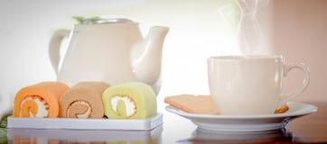 Café e bolo da manhã Imagens de Stock