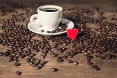 Café e coração vermelho Fotos de Stock