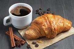Café e croissant foto de stock royalty free