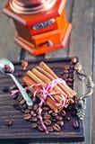 Café e especiaria do aroma imagem de stock