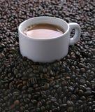 Café e feijões Fotos de Stock Royalty Free
