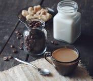 Café e leite fotos de stock