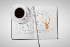 Café e livro imagens de stock