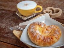 Café e pão fotografia de stock royalty free