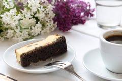 Café e pedaço de bolo Fotos de Stock Royalty Free