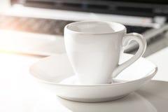 Café e portátil Imagem de Stock