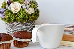 Café e queques Fotografia de Stock Royalty Free