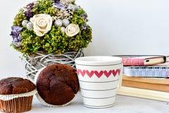 Café e queques Imagens de Stock Royalty Free