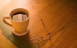 Café e vidros Fotografia de Stock