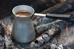 Café em carvões imagem de stock royalty free