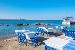 Café em uma praia em Kolymbia O Rodes, Grécia fotografia de stock royalty free