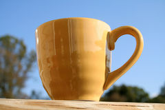 Café en el pórtico Imagenes de archivo