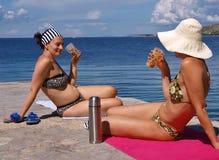 Café en la playa fotos de archivo