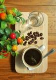 Café en la tabla Fotos de archivo