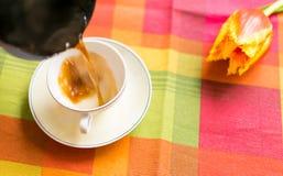 Café en la taza Imagen de archivo libre de regalías