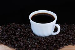 Café en la taza blanca Imágenes de archivo libres de regalías