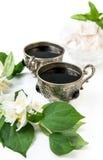 Café en las tazas de plata del vintage y los dulces árabes Foto de archivo libre de regalías
