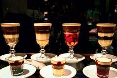 Café en los vidrios transparentes de cristal Foto de archivo libre de regalías