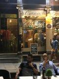 Café espagnol la nuit images stock