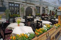 Café estival dans la vieille ville photo libre de droits
