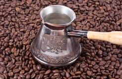 Café et bac turc image libre de droits