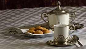 Café et biscuits chauds Photo stock